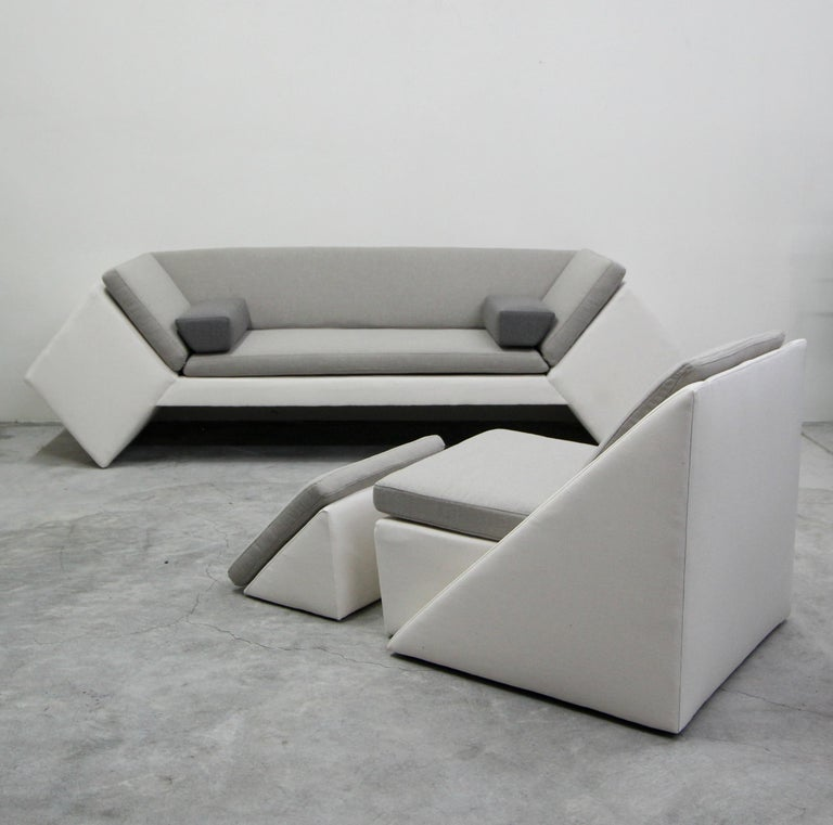 Rare geometric set, with a very postmodern feel. Love the linear lines and shapes that these unique piece have. Never seen anything like it.  Manufactured by Thayer Coggin (tagged) and designed by David Snyder.  Set has been professionally