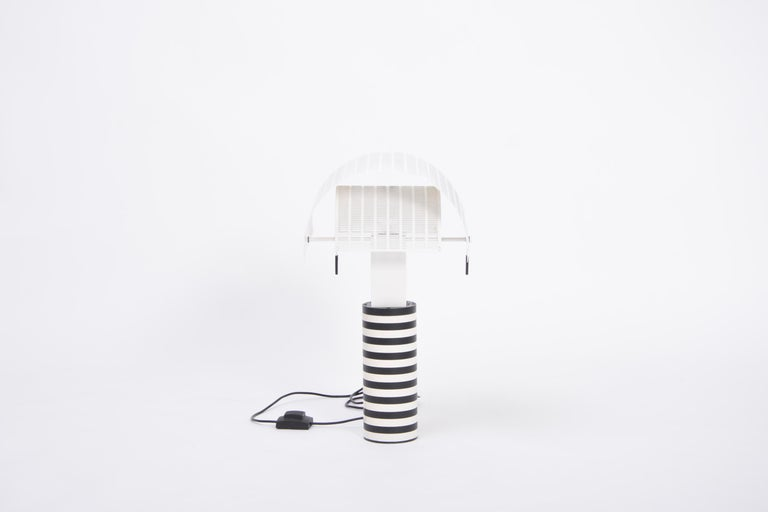 Postmodern Italian Black and White Table Lamp 'Shogun' by Mario Botta for Artemi For Sale 2