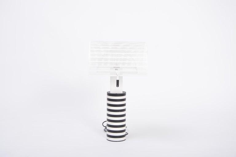 Postmodern Italian Black and White Table Lamp 'Shogun' by Mario Botta for Artemi For Sale 3
