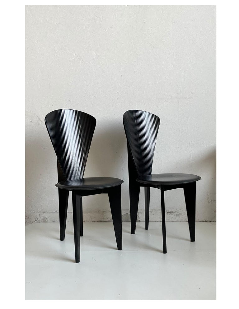 Late 20th Century Postmodern Italian Calligaris Dining Chairs, Black Leather and Wood, 1980s For Sale