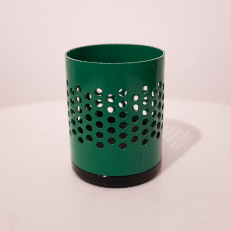 Postmodern Italian Desk Set Wastepaper Basket, 1980s In Good Condition For Sale In San Diego, CA