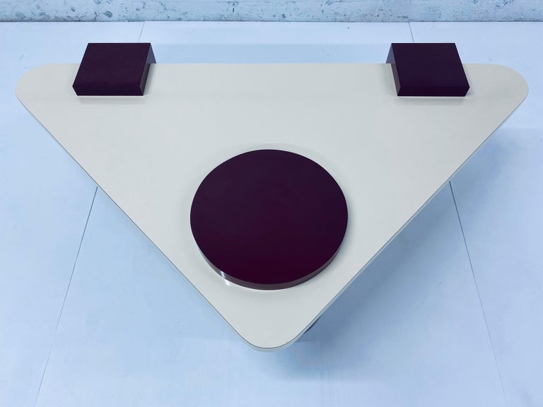 Postmodern Laminate Coffee Table, 1980s In Good Condition For Sale In Miami, FL