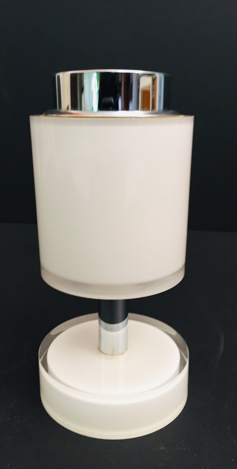 Postmodern Lucite White Table Lighter, Germany For Sale 3