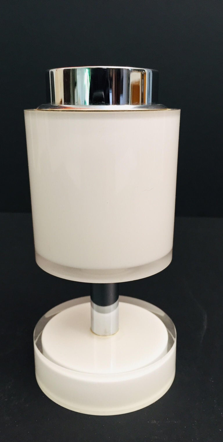 Postmodern Lucite White Table Lighter, Germany For Sale 4