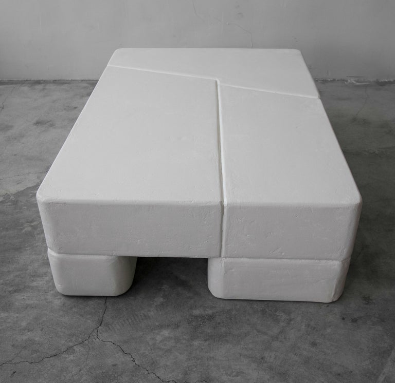 Postmodern Minimalist Plaster Coffee Table For Sale 1