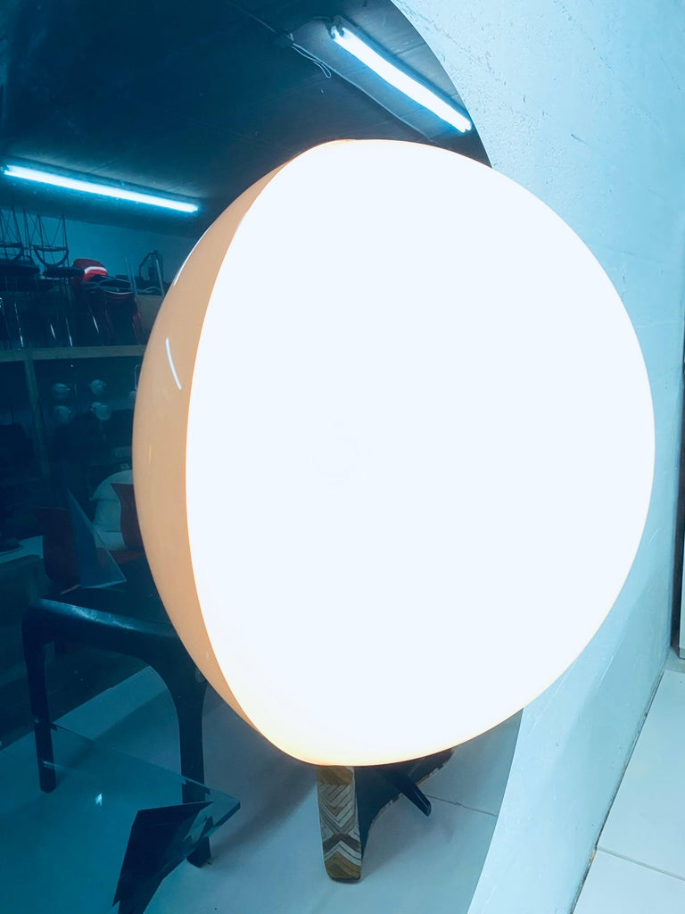 Postmodern Plexiglass Lunar Eclipse Orb Wall Mounted Lamp, 1980s For Sale 2