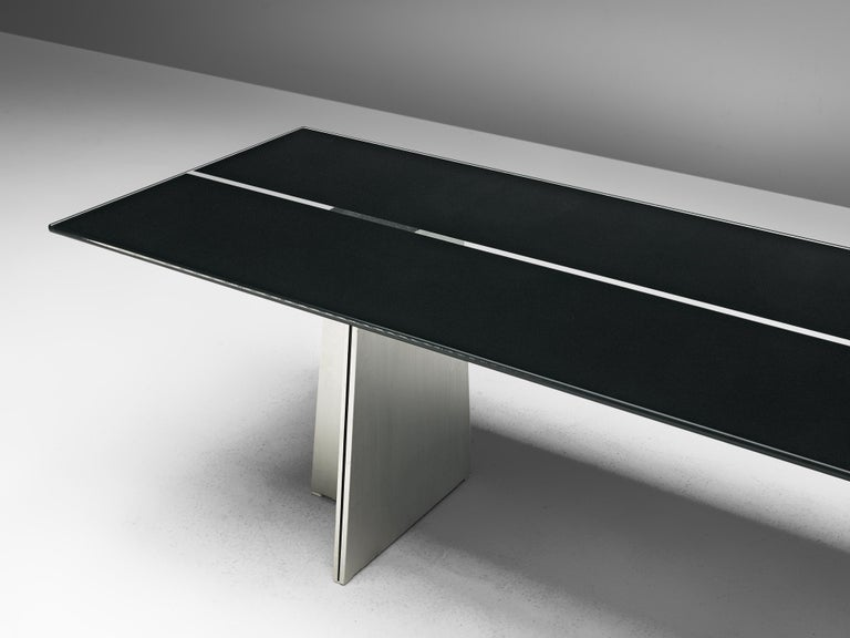 Postmodern Rectangular Dining Table 'Ufo' in Metal and Glass by Luigi Saccardo In Good Condition For Sale In Waalwijk, NL