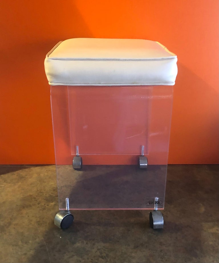 20th Century Postmodern Waterfall Lucite Vanity Stool or Bench by Akko For Sale