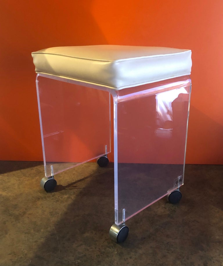 Postmodern Waterfall Lucite Vanity Stool or Bench by Akko For Sale 2