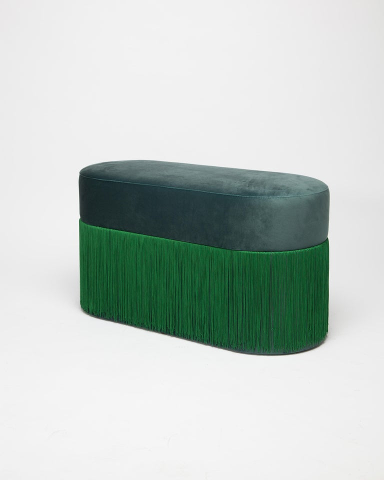 Pouf Pill Large Emerald Green in Velvet Upholstery with Fringes In New Condition For Sale In Firenze, IT