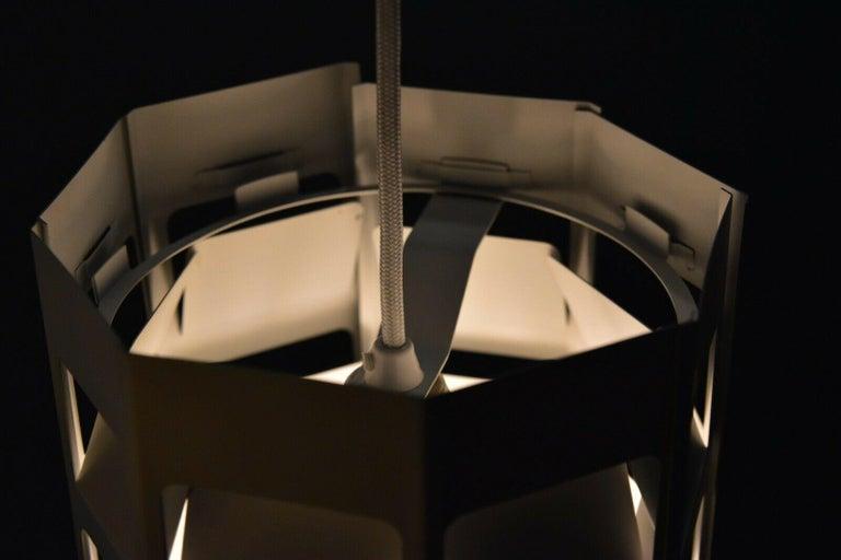 Poul Gernes Pendant Lamp Hedron Lyskurv Louis Poulsen Denmark In Good Condition For Sale In Krefeld, DE