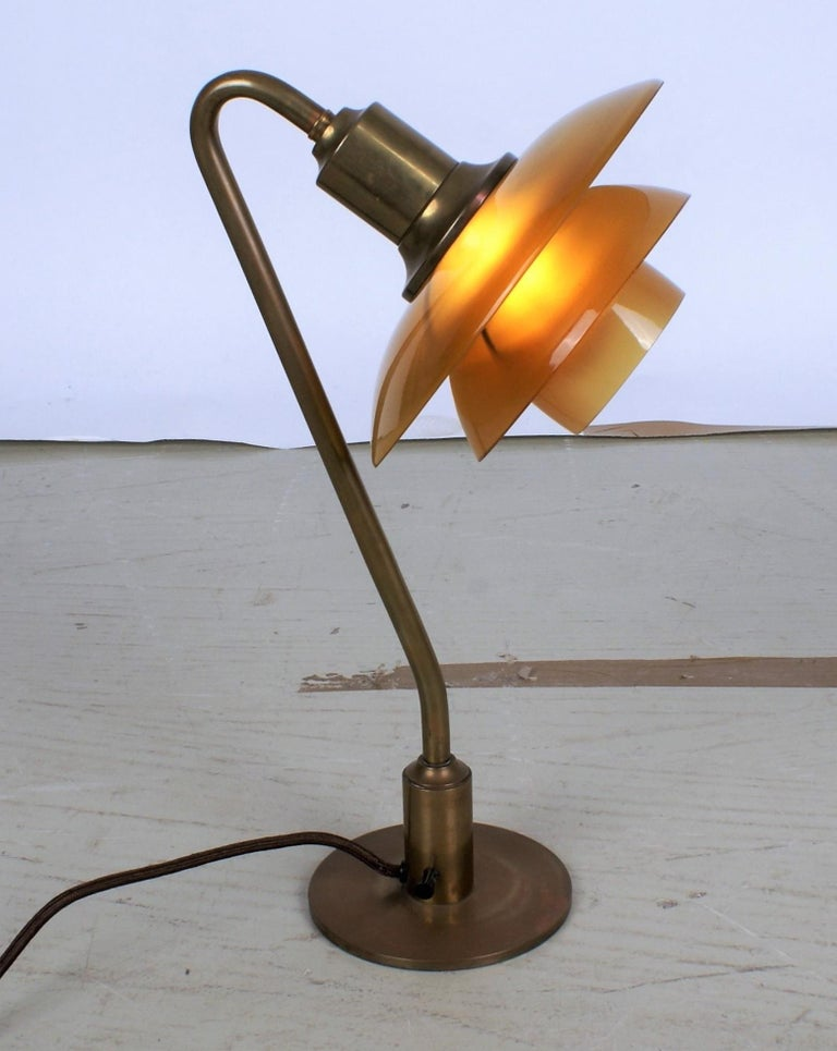 Poul Henningsen 2/2 Snowdrop Desk Lamp in Brass with Amber Colored Glass, 1930s For Sale 2