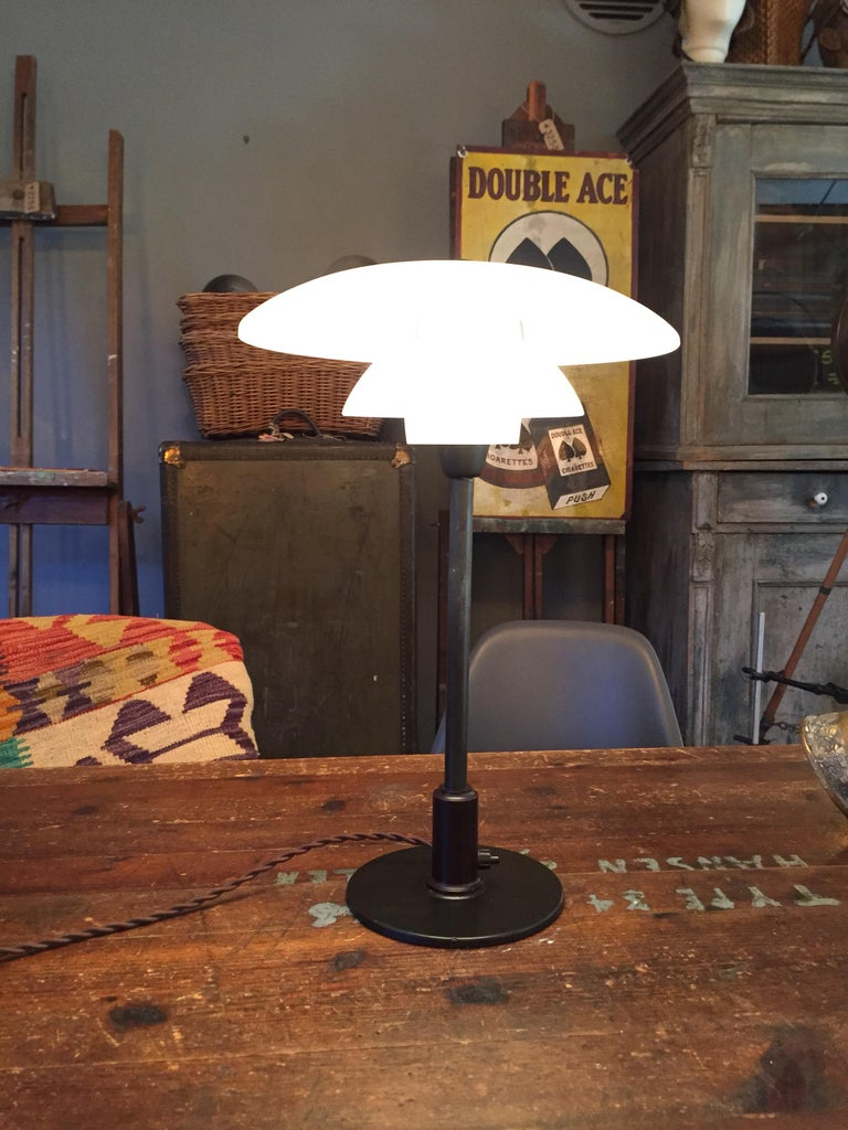 Blown Glass Poul Henningsen 3.5/2 Table Lamp from the 1940s Made by Louis Poulsen of Denmark For Sale