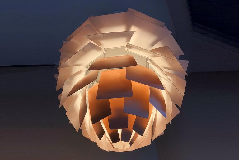 Poul Henningsen Artichoke Lamp, Louis Poulsen, Denmark In Good Condition For Sale In Porto, PT