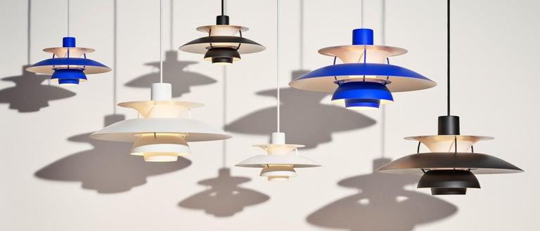 Scandinavian Modern Poul Henningsen PH 5 Pendant for Louis Poulsen in All Blue For Sale