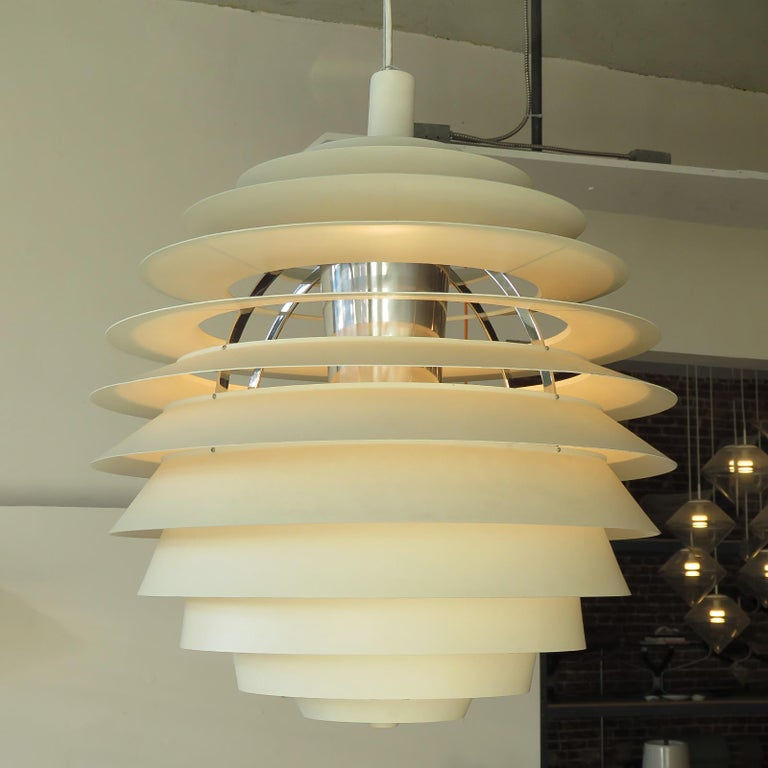 Poul Henningsen Ph Louvre Pendant Light In Good Condition For Sale In Los Angeles, CA