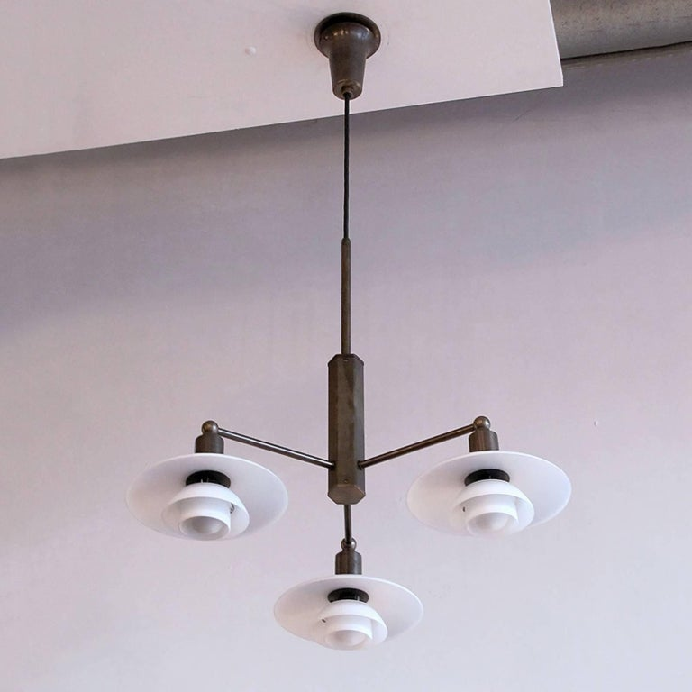 "Poul Henningsen ""PH Stammkrone"" Chandelier In Excellent Condition For Sale In Los Angeles, CA"