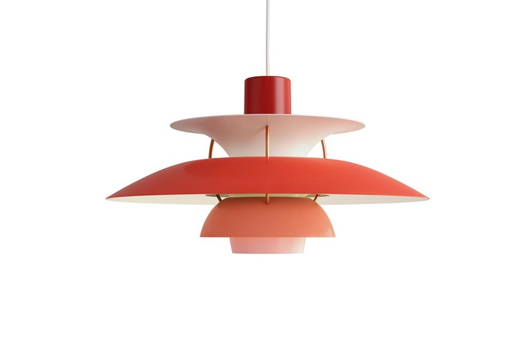 Poul Henningsen developed the PH 5 in 1958 as a follow-up to his celebrated three-shade system. The fixture emits both downward and lateral light, thus illuminating itself. Poul Henningsen developed the PH 5 in 1958 in response to constant changes