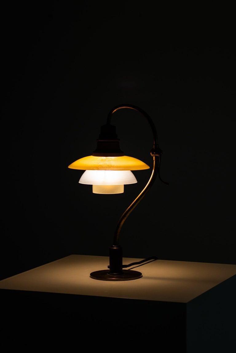 Poul Henningsen Table Lamp Model PH-2/2 Produced by Louis Poulsen in Denmark For Sale 8