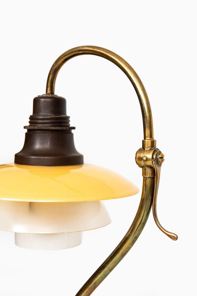 Danish Poul Henningsen Table Lamp Model PH-2/2 Produced by Louis Poulsen in Denmark For Sale