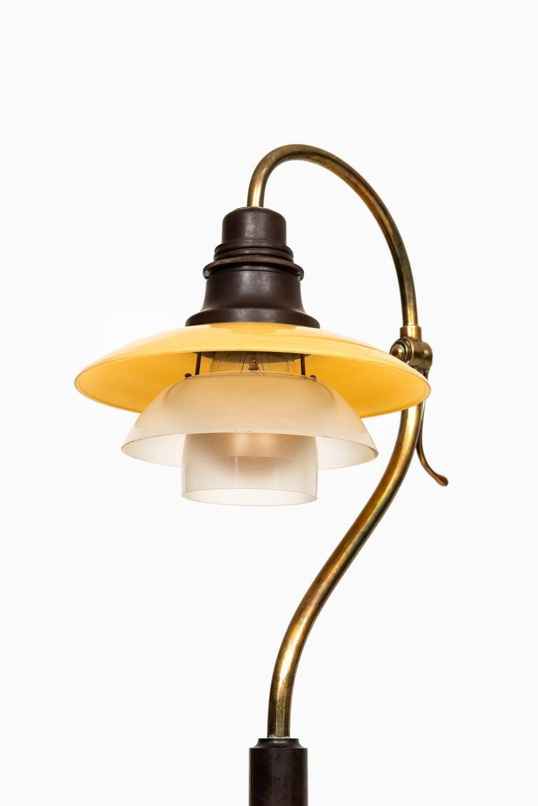 Poul Henningsen Table Lamp Model PH-2/2 Produced by Louis Poulsen in Denmark For Sale 1