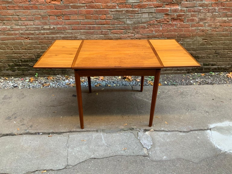 Poul Hundevad Danish Teak Extension Table In Good Condition For Sale In Garnerville, NY