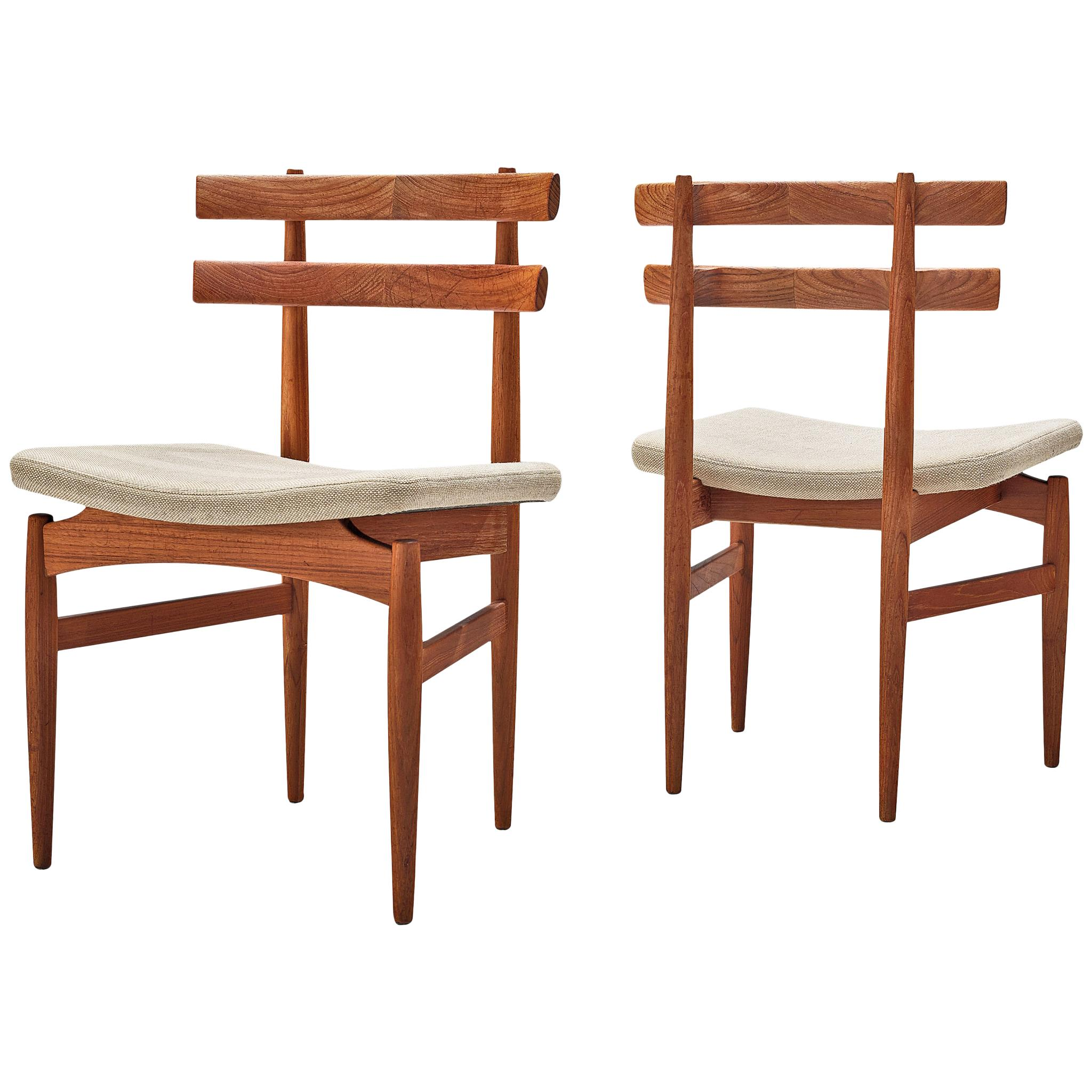 Poul Hundevad Pair of Dining Chairs Model '30' in Teak