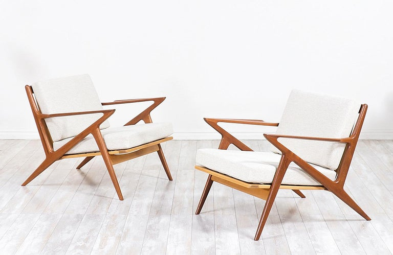 Mid-Century Modern Poul Jensen Z Teak Lounge Chairs for Selig For Sale
