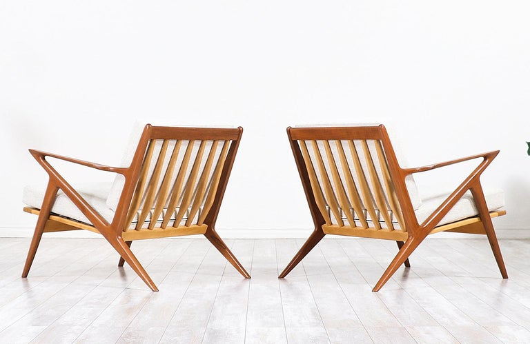 Poul Jensen Z Teak Lounge Chairs for Selig In Excellent Condition For Sale In Los Angeles, CA