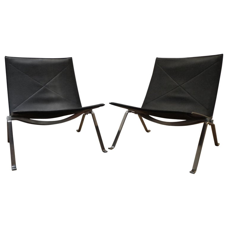 """Poul Kjærholm Pair of """"PK 22"""" Lounge Easy Chairs Black Leather For Sale"""
