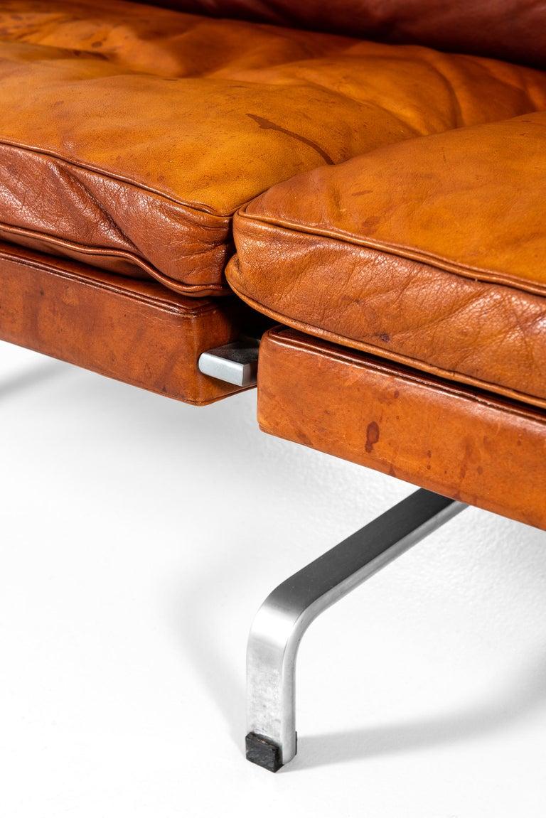 Scandinavian Modern Poul Kjærholm PK-31/3 Sofa Produced by E. Kold Christensen in Denmark For Sale