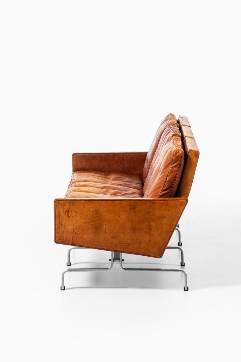 Poul Kjærholm PK-31/3 Sofa Produced by E. Kold Christensen in Denmark For Sale 1