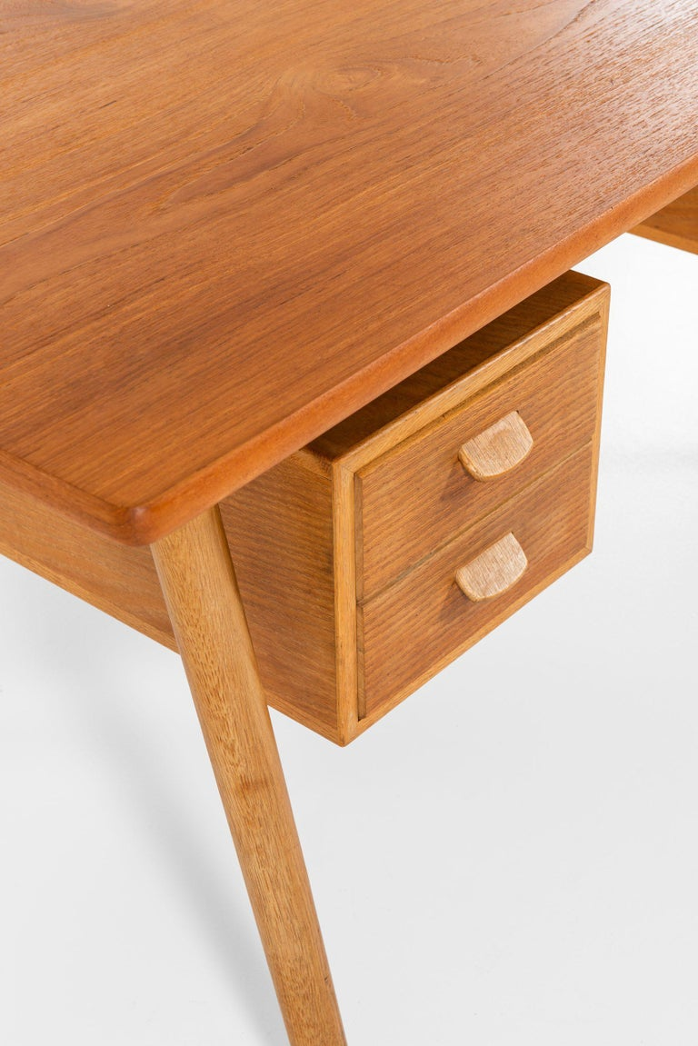 Poul Volther Desk Produced by FDB Møbler in Denmark In Good Condition For Sale In Malmo, SE