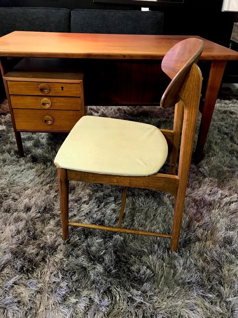 Povl Dinesen Midcentury Teak Desk and Chair by Danish Designer Kai Kristiansen For Sale 5