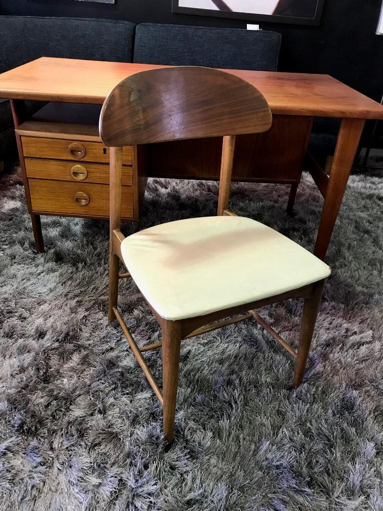 Povl Dinesen Midcentury Teak Desk and Chair by Danish Designer Kai Kristiansen For Sale 3