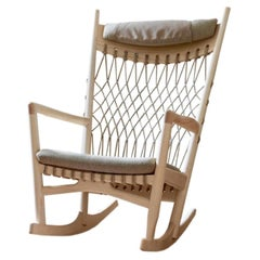 PP Mobler PP124 Rocking Chair in Soaptreated Ash with Natural Flag Halyard Seat