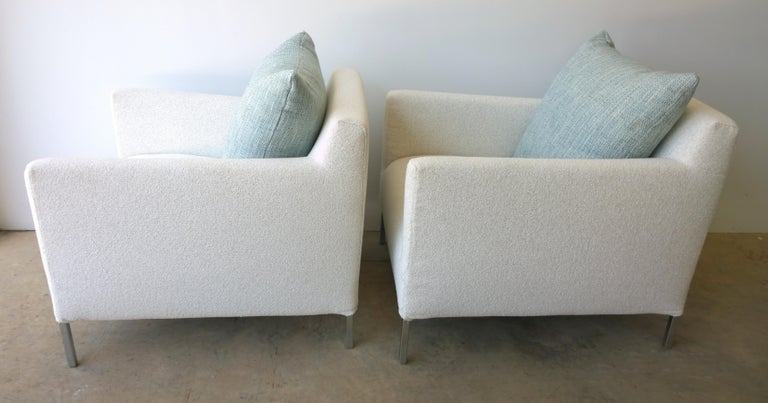 Pr B&B Italia Lounge Chairs w/ Chrome Legs & New White Upholstered Slip Covers In Good Condition For Sale In Houston, TX