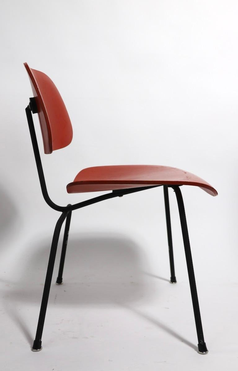 Pair of Eames DCM Herman Miller Dining Chairs For Sale 3