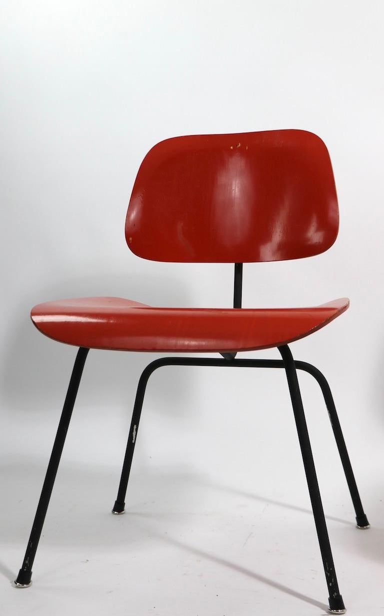 20th Century Pair of Eames DCM Herman Miller Dining Chairs For Sale