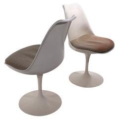 Pr. Eero Saarinen Tulip Chairs by Knoll