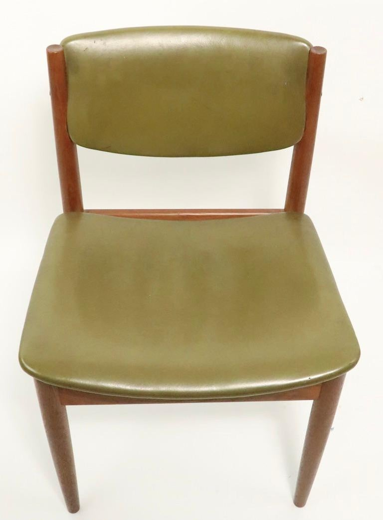 Scandinavian Modern Pair of Finn Juhl for France and Son Dining Chairs For Sale