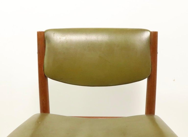 20th Century Pair of Finn Juhl for France and Son Dining Chairs For Sale