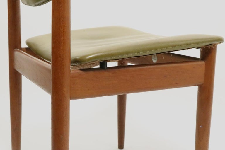 Pair of Finn Juhl for France and Son Dining Chairs For Sale 1