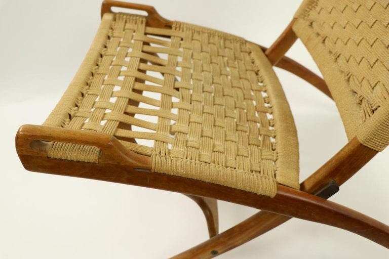 20th Century Pair of Folding Scissor Chairs Made in Italy after Wegner For Sale