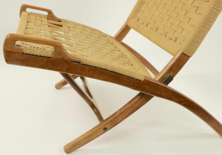 Twine Pair of Folding Scissor Chairs Made in Italy after Wegner For Sale