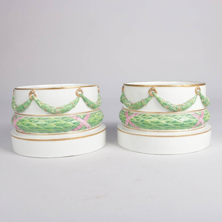 Pair of Meissen Hand-Painted and Gilt Draped Garland Porcelain Sculpture Plinths For Sale 1