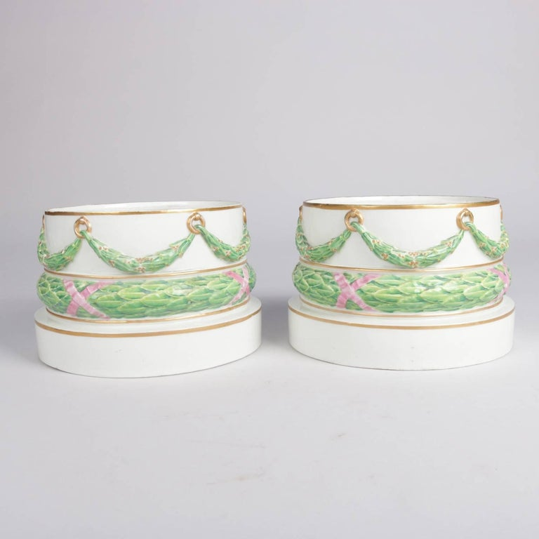 Pair of Meissen Hand-Painted and Gilt Draped Garland Porcelain Sculpture Plinths For Sale 2