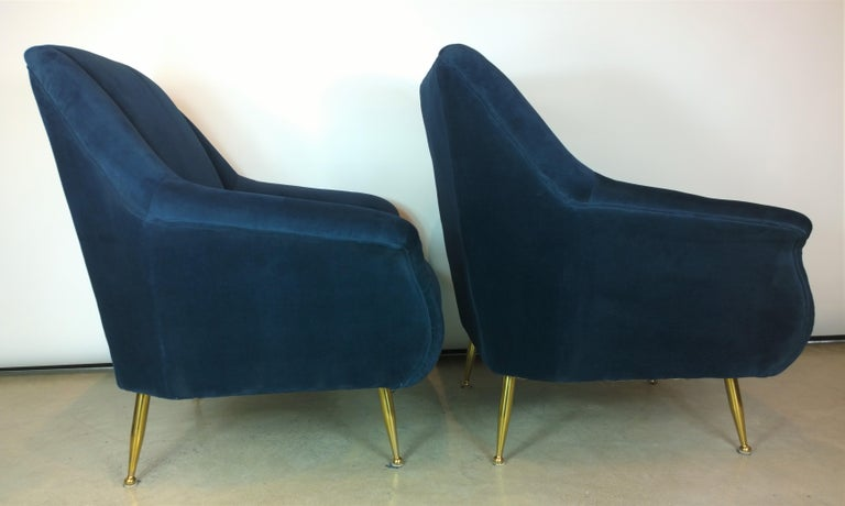 Pair of Zanuso Style Navy Blue Velvet and Brass Legs Lounge or Armchairs For Sale 3