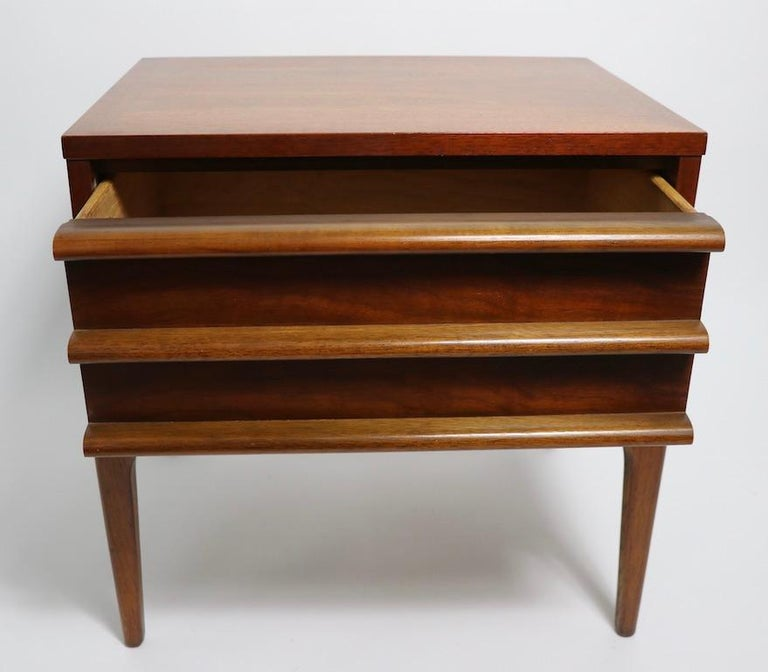 Pair of Midcentury Nightstands Rhythm by Lane Furniture In Good Condition In New York, NY