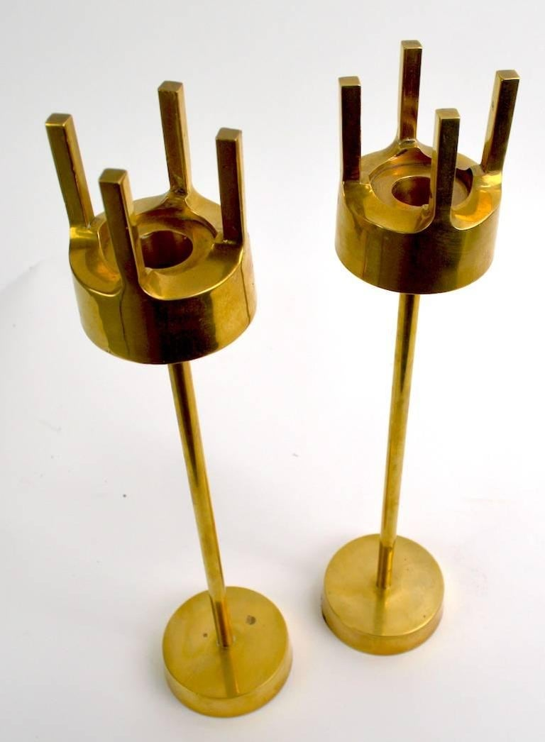 Pair of Modernist Brass Candlesticks in the Style of Pierre Forsell for Skultuna In Excellent Condition For Sale In New York, NY